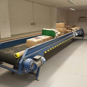 Flat Black Rubber Belt Conveyor 600mm wide x 7,600mm long